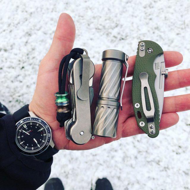 Titanium KeyBar Organizer Back With EDC Items