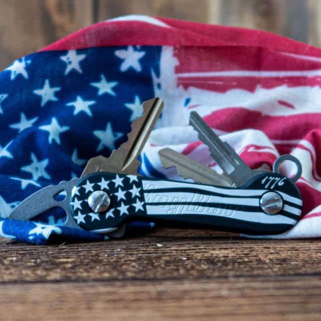 Aluminum Black Freedom KeyBar US Constitution Key Organizer American flag laser engraved