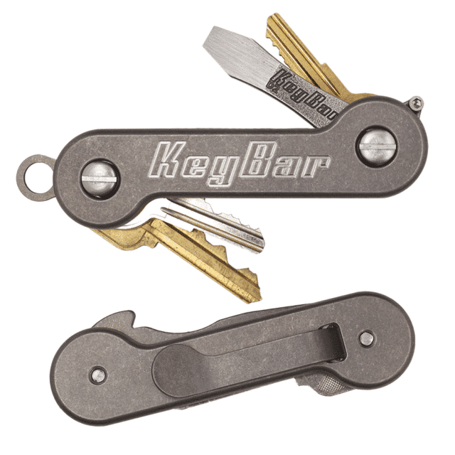 Titanium-KeyBar-Key-Organizer-EDC-Tool-With-Keys-In-Use