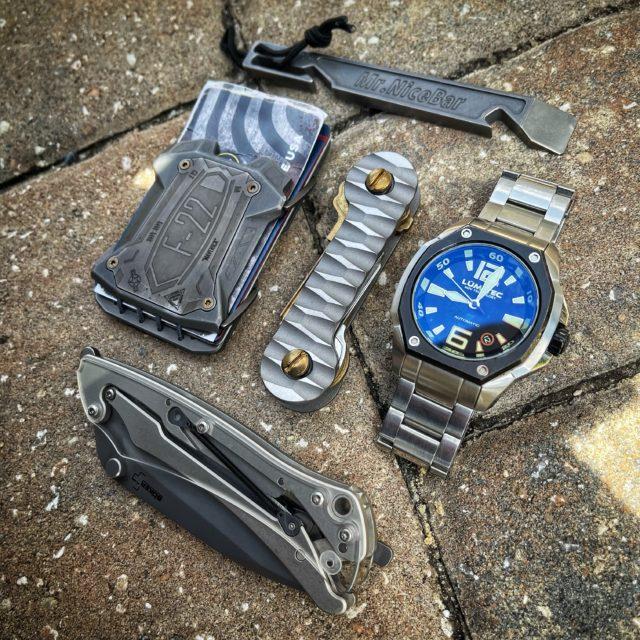 Titanium Slayer KeyBar EDC Pocket Dump
