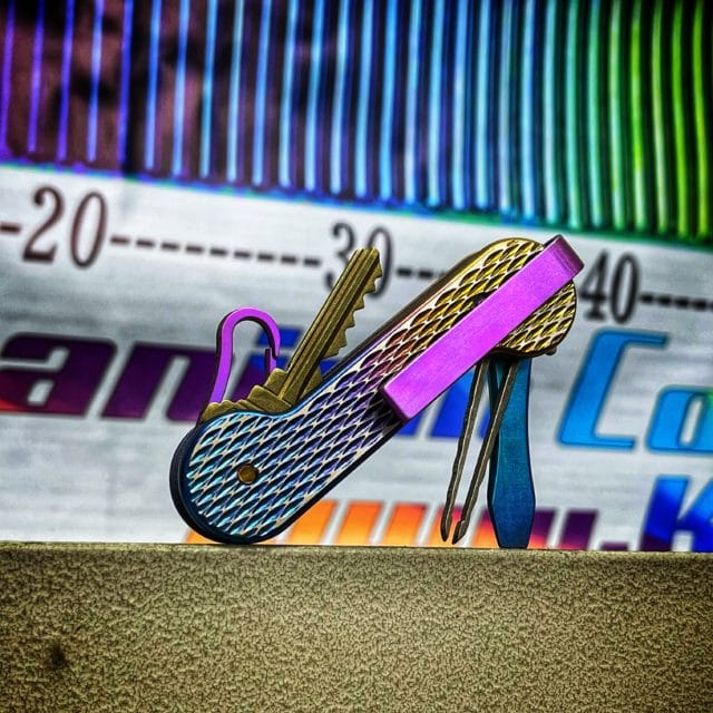 Colored-Anodized-Titanium-Scales-KeyBar