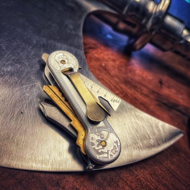The-Olympian-Aluminum-KeyBar